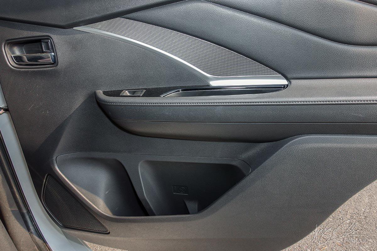 Đánh giá xe Mitsubishi Xpander 2020: hốc chứa đồ 7.