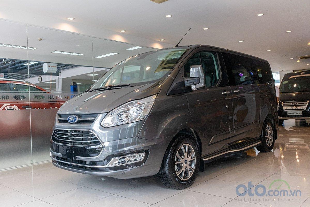 Giá xe Ford Tourneo thế hệ mới cập nhật hàng tháng.