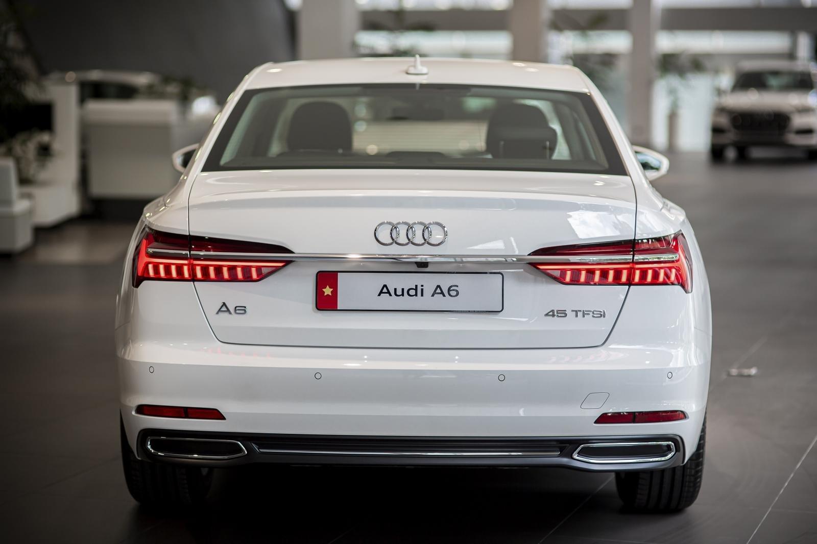 Đuôi xe Audi A6 45 TFSI 2020 1