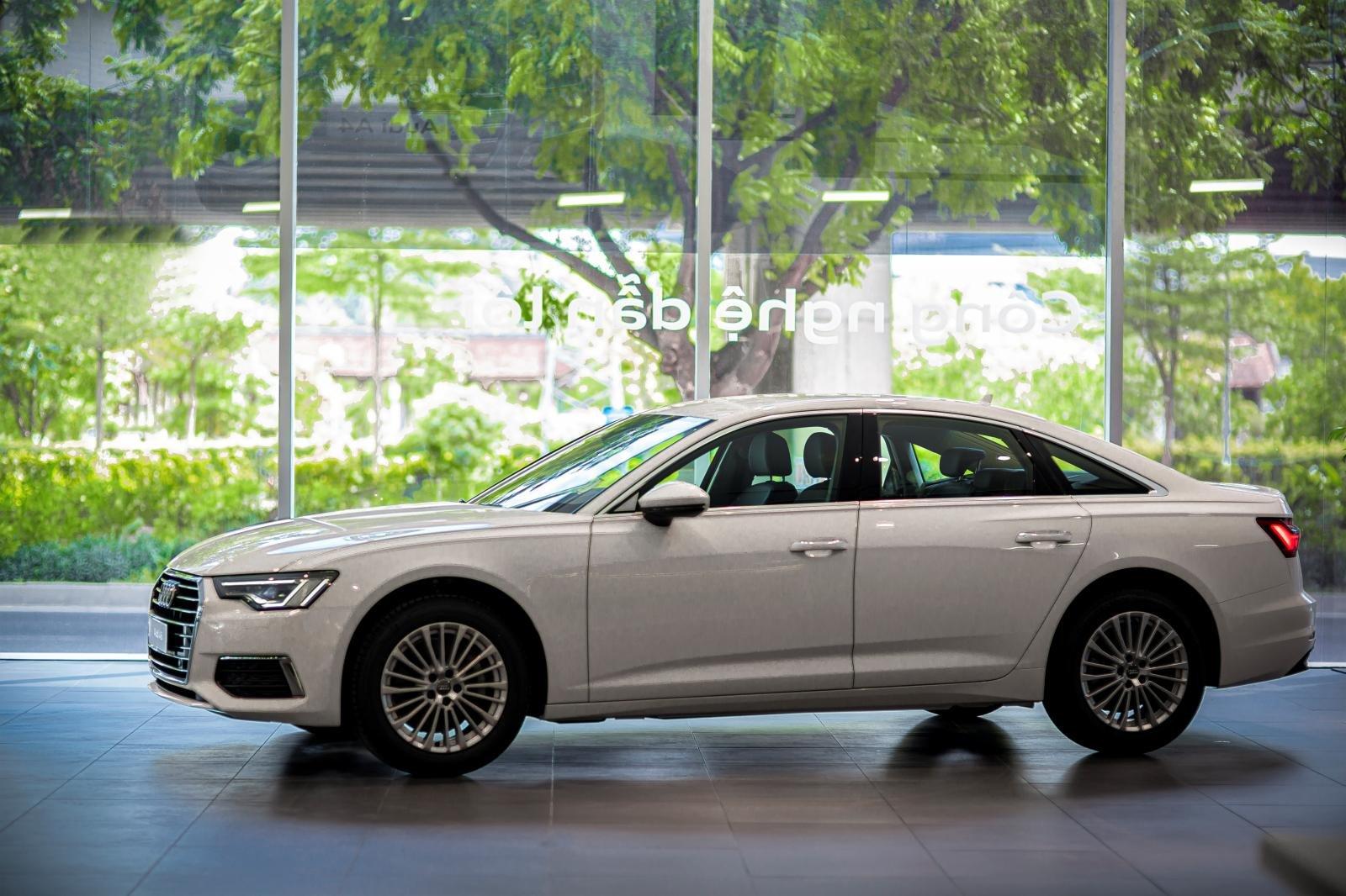 Ngoại hình tổng thể xe Audi A6 2020 1