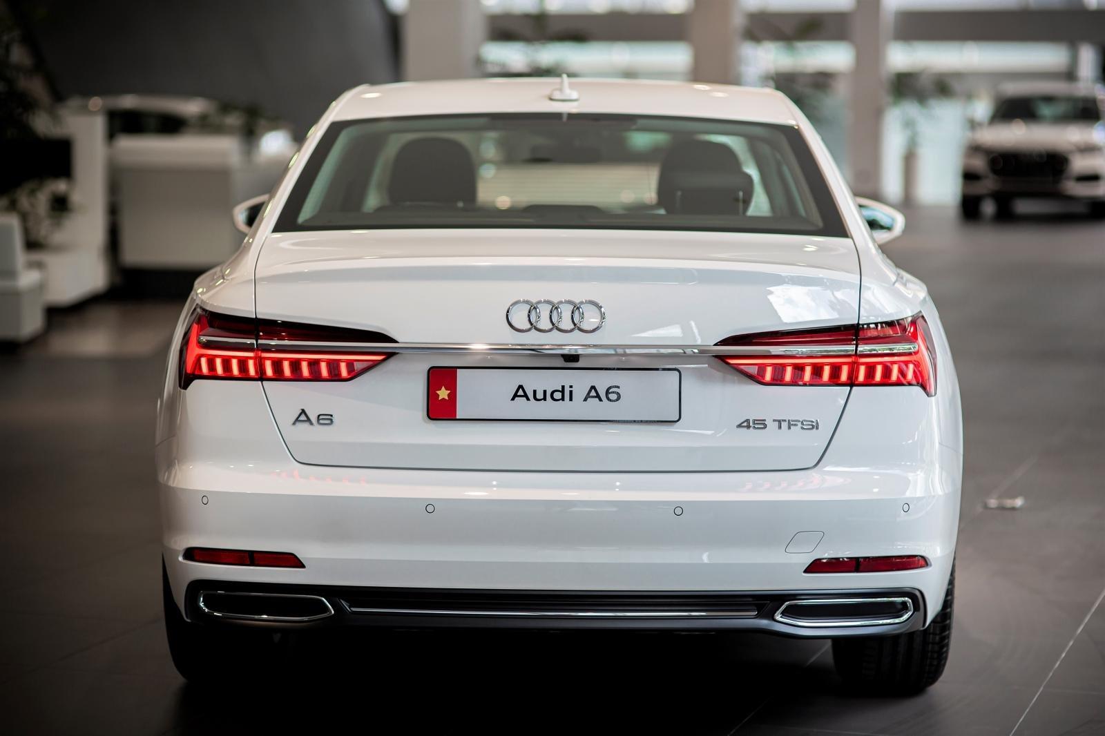 Thiết kế đuôi xe Audi A6 2020 1