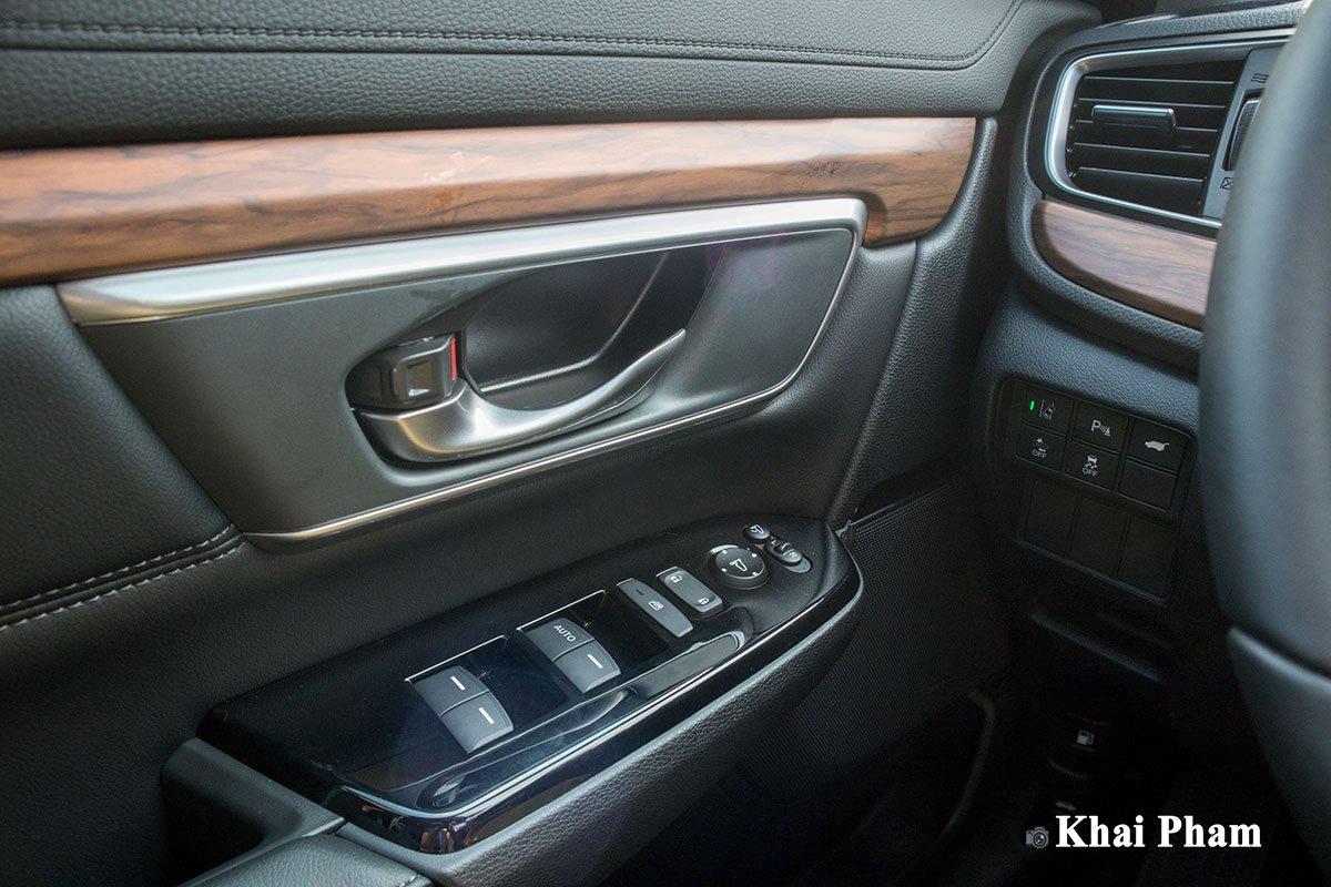 Ảnh Táp-li cửa xe Honda CR-V 2020