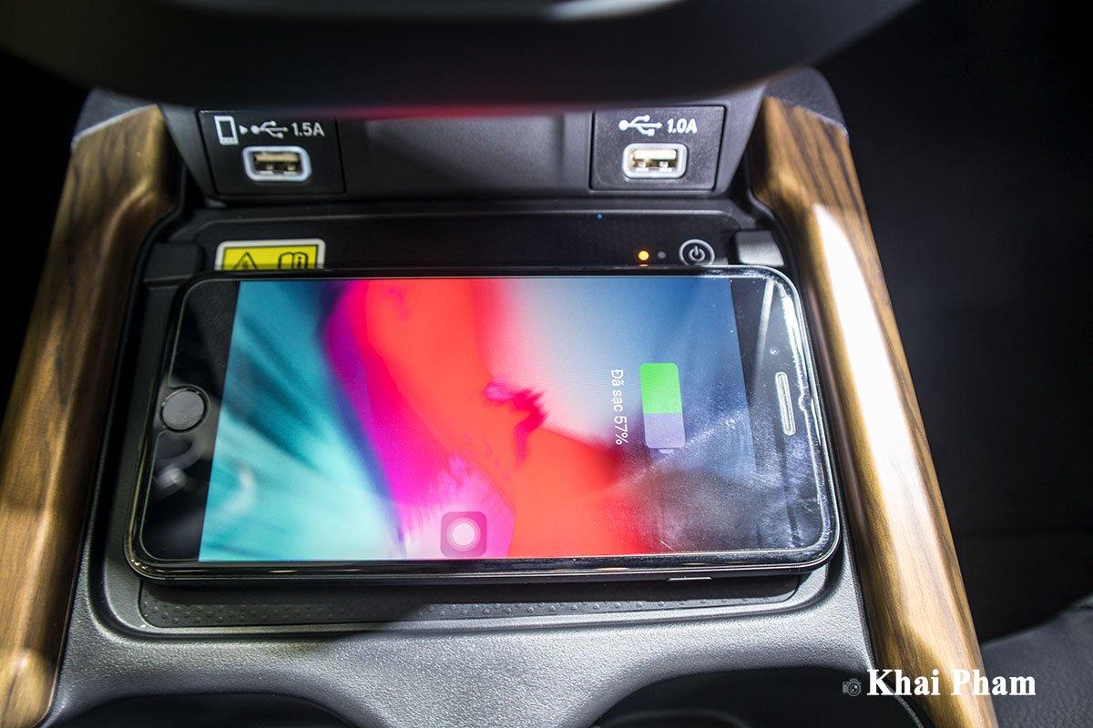 Ảnh Sạc không dây xe Honda CR-V 2020