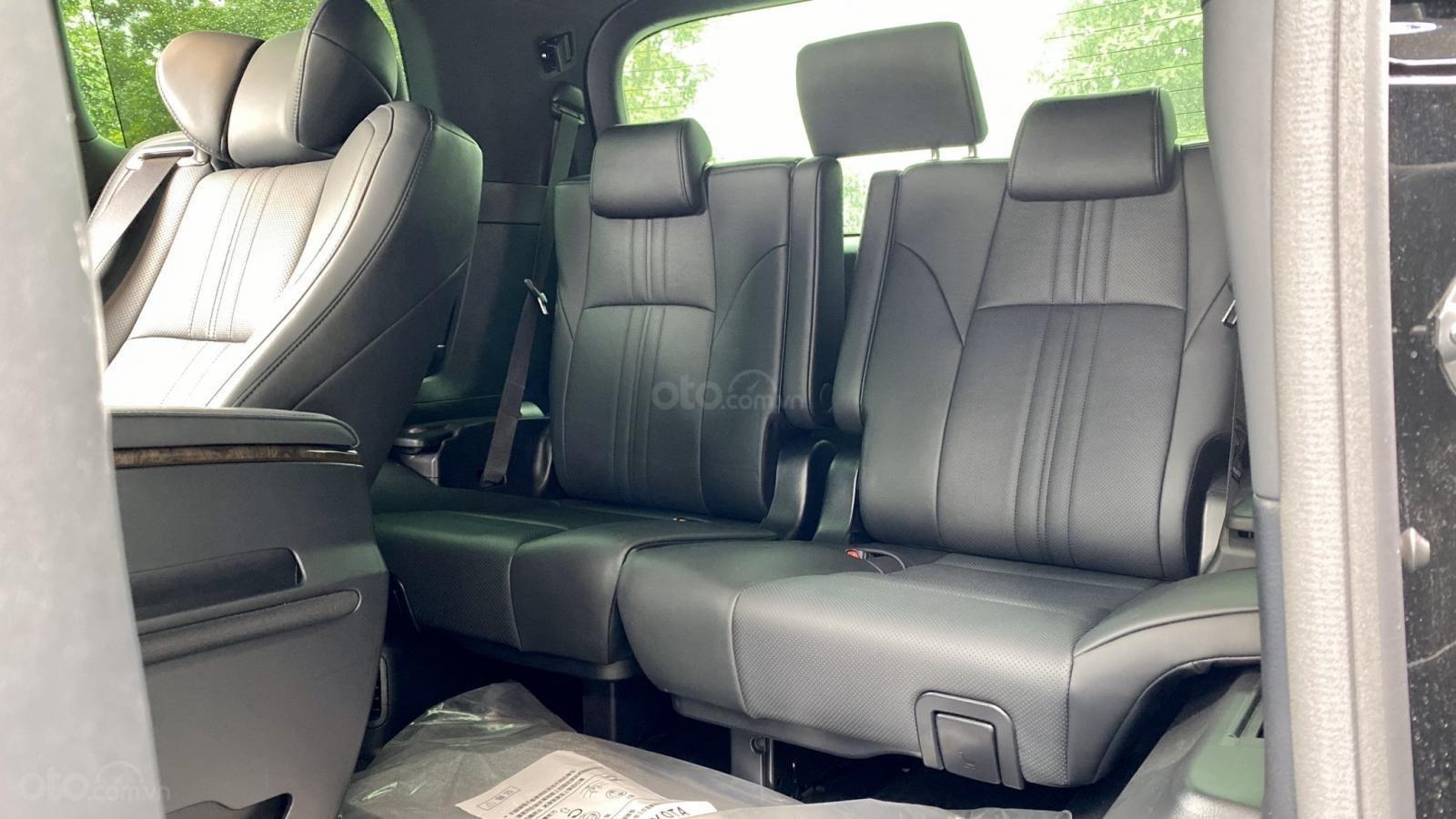 Toyota Alphard Limited 3.5 SX 2016 tên công ty XHĐ cao, xe cực đẹp (12)