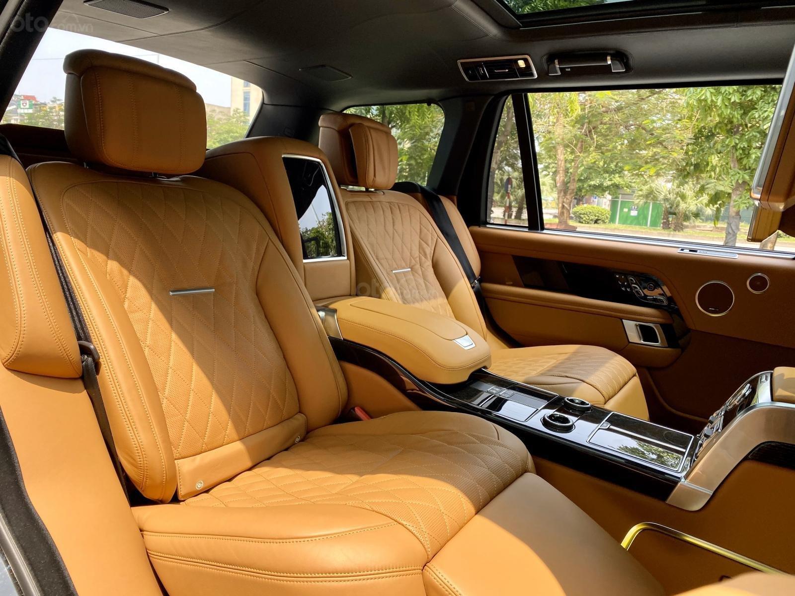 Cần bán - giá xe Range Rover SV Autobiography L 2020 hai màu, giá tốt (7)