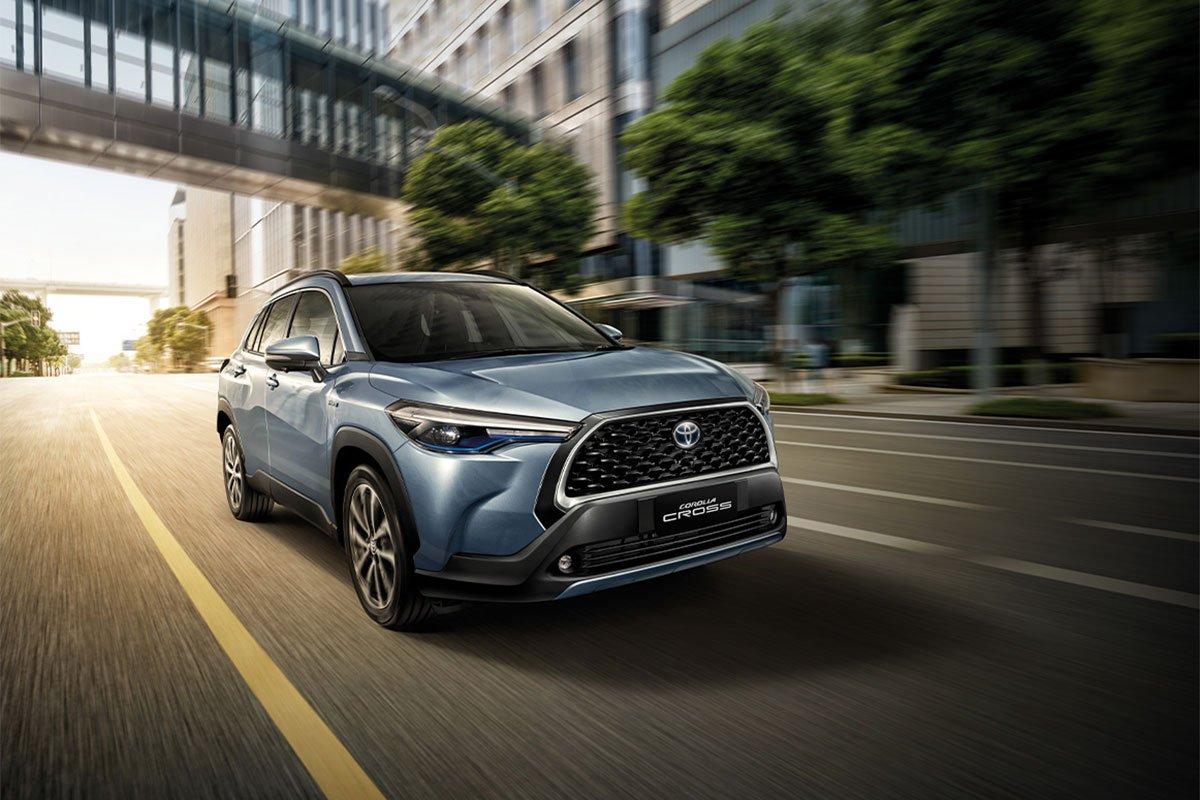 Đánh giá xe Toyota Corolla Cross 2020-2021: Vận hành.