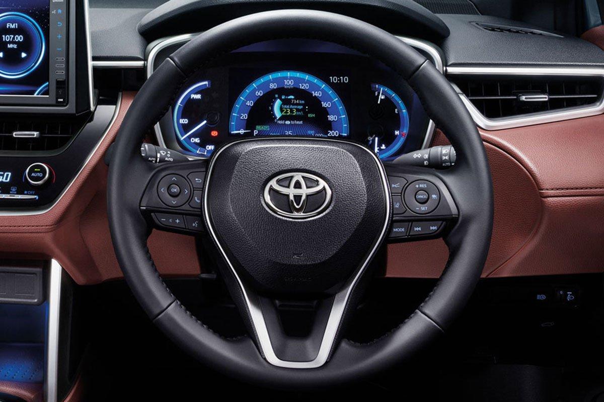 Đánh giá xe Toyota Corolla Cross 2020-2021: Vô-lăng.