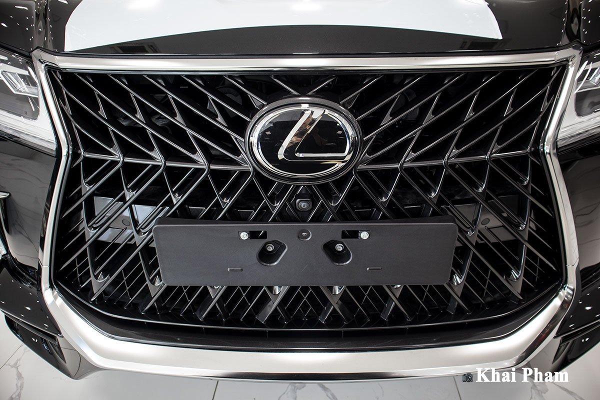 Ảnh lưới tản nhiệt xe Lexus LX570 2020 bầu trời sao như Rolls-Royce