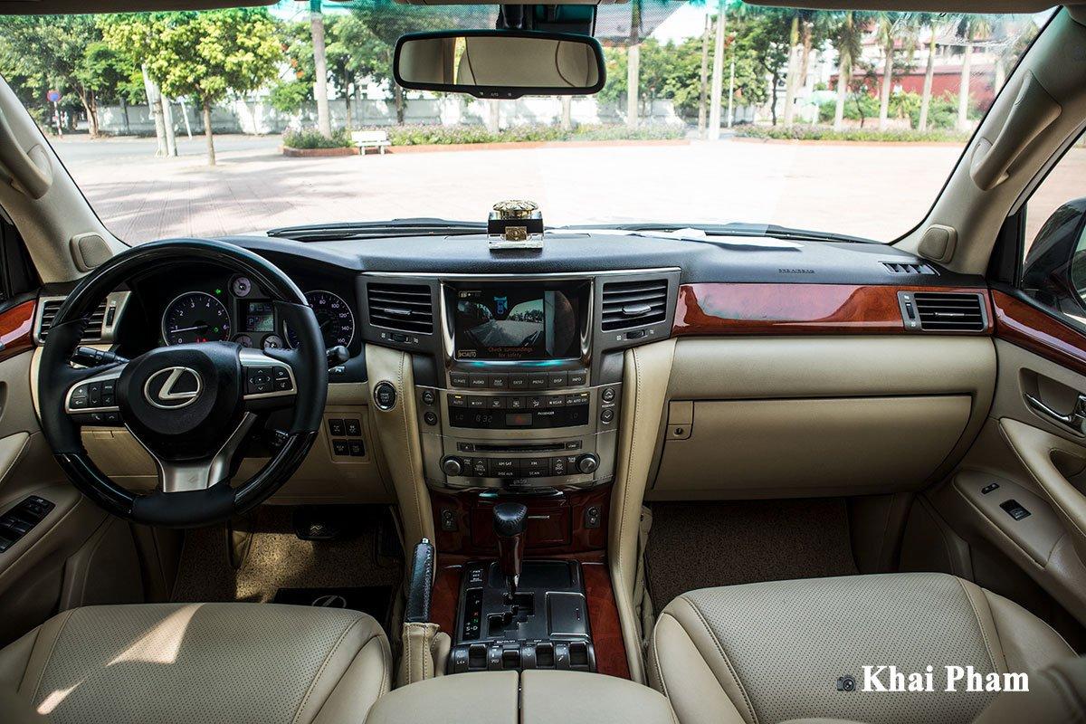Muôn kiểu chơi xe Lexus LX570 của đại gia Việt, có cả bầu trời sao Rolls-Royce a4