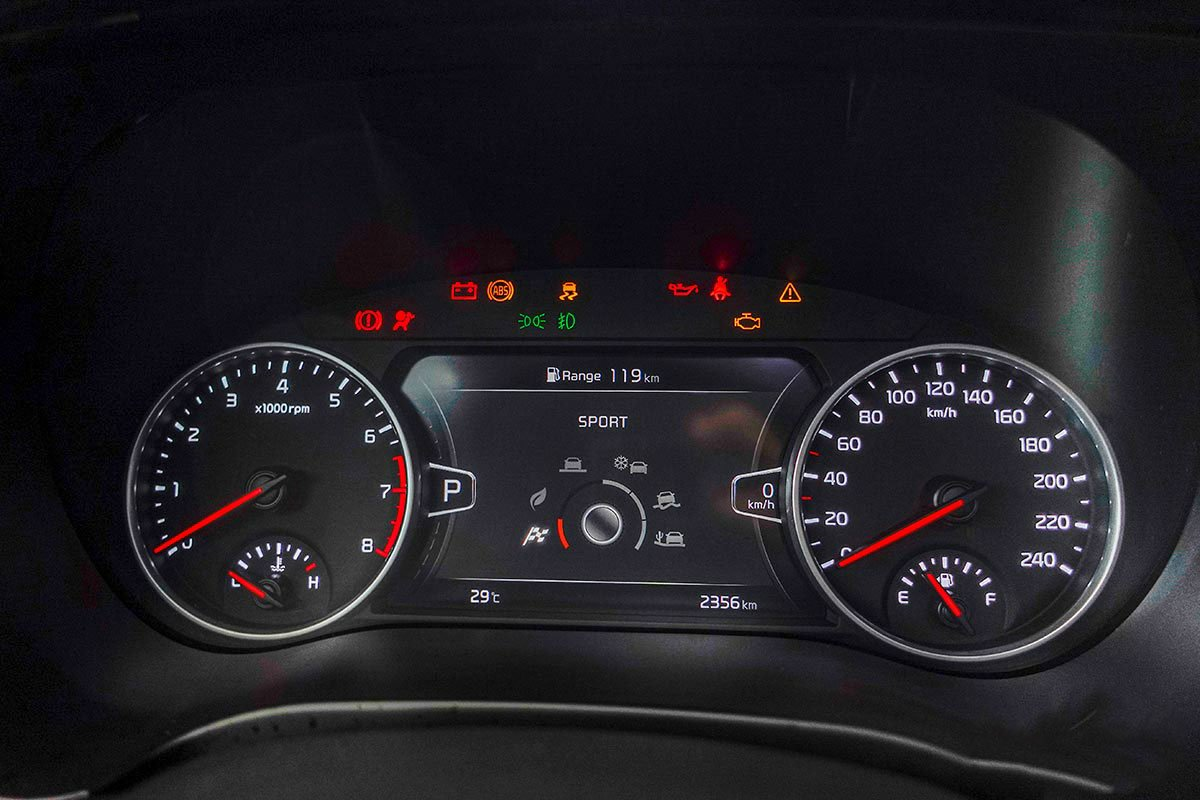 Ảnh đồng hồ xe Kia Seltos Luxury 2020 phải