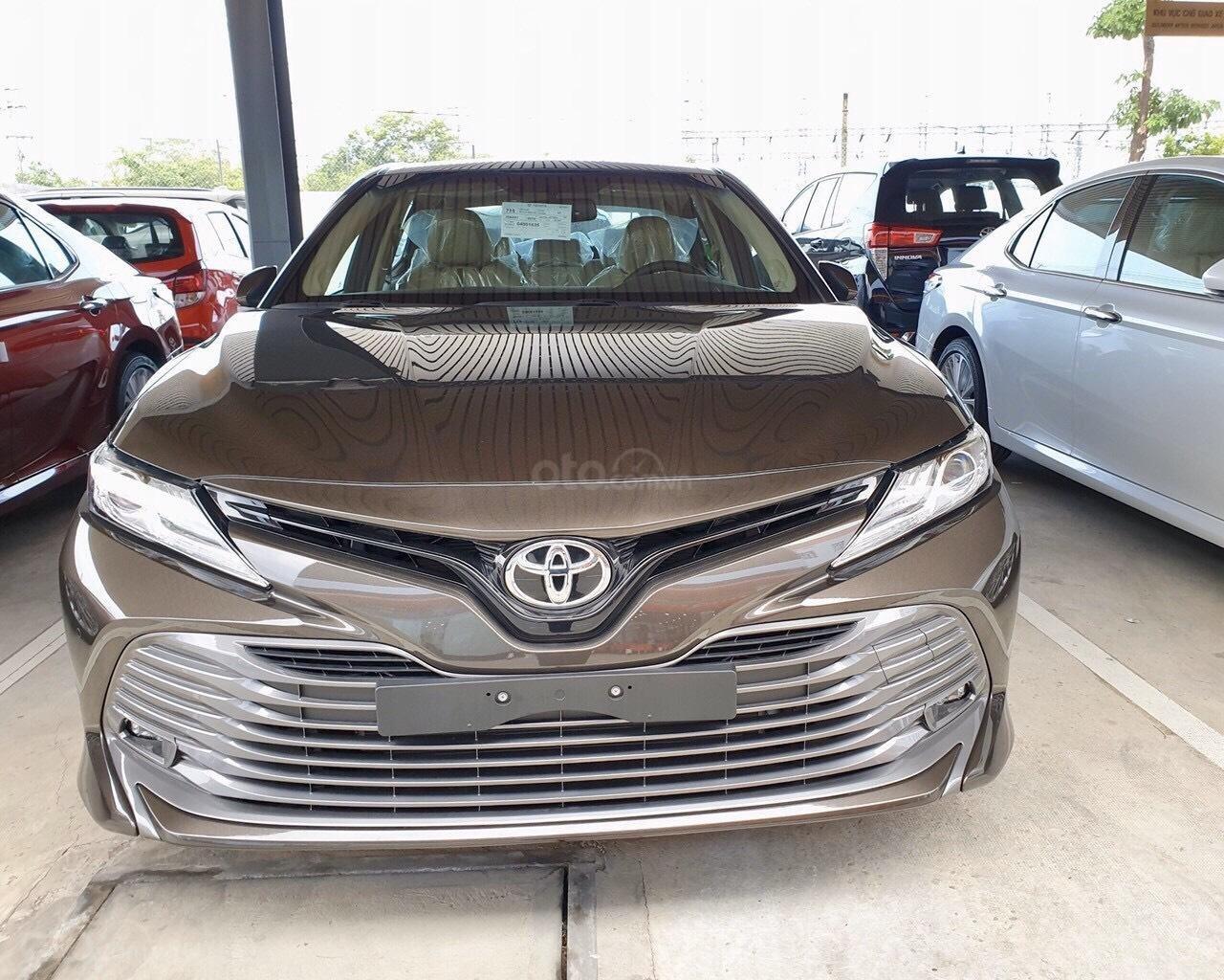 Bán Toyota Camry 2.5Q màu nâu nhập Thái giao ngay (2)