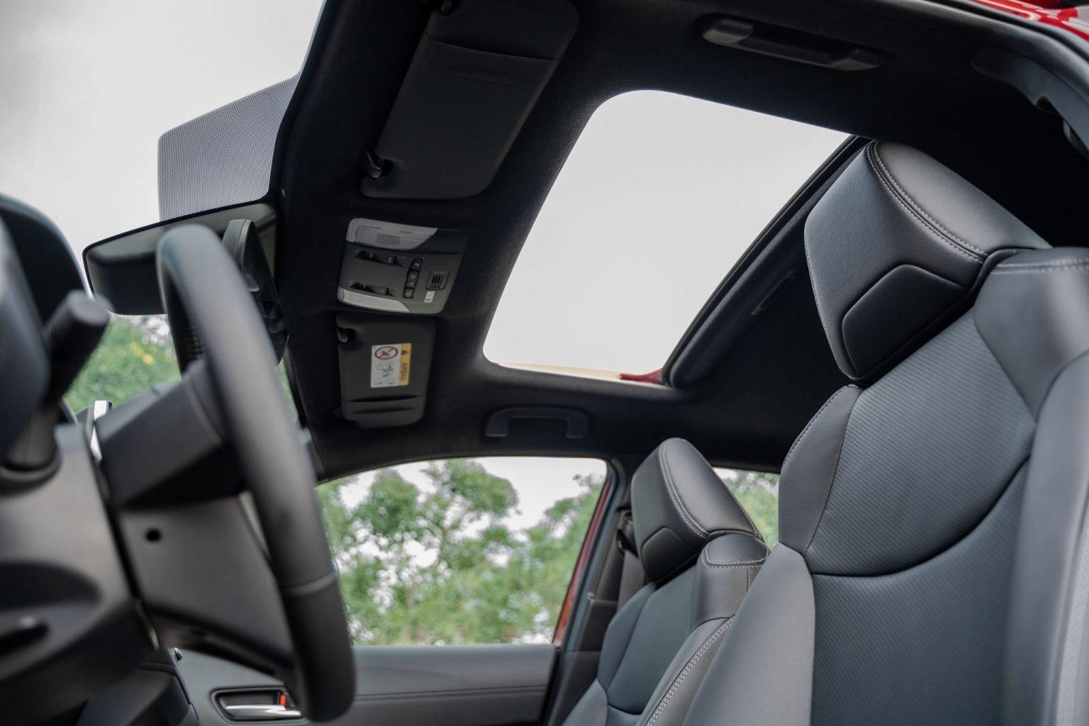 """Toyota Corolla Cross - """"Át chủ bài"""" chính thức ra mắt thị trường Việt Nam - Ảnh 6."""