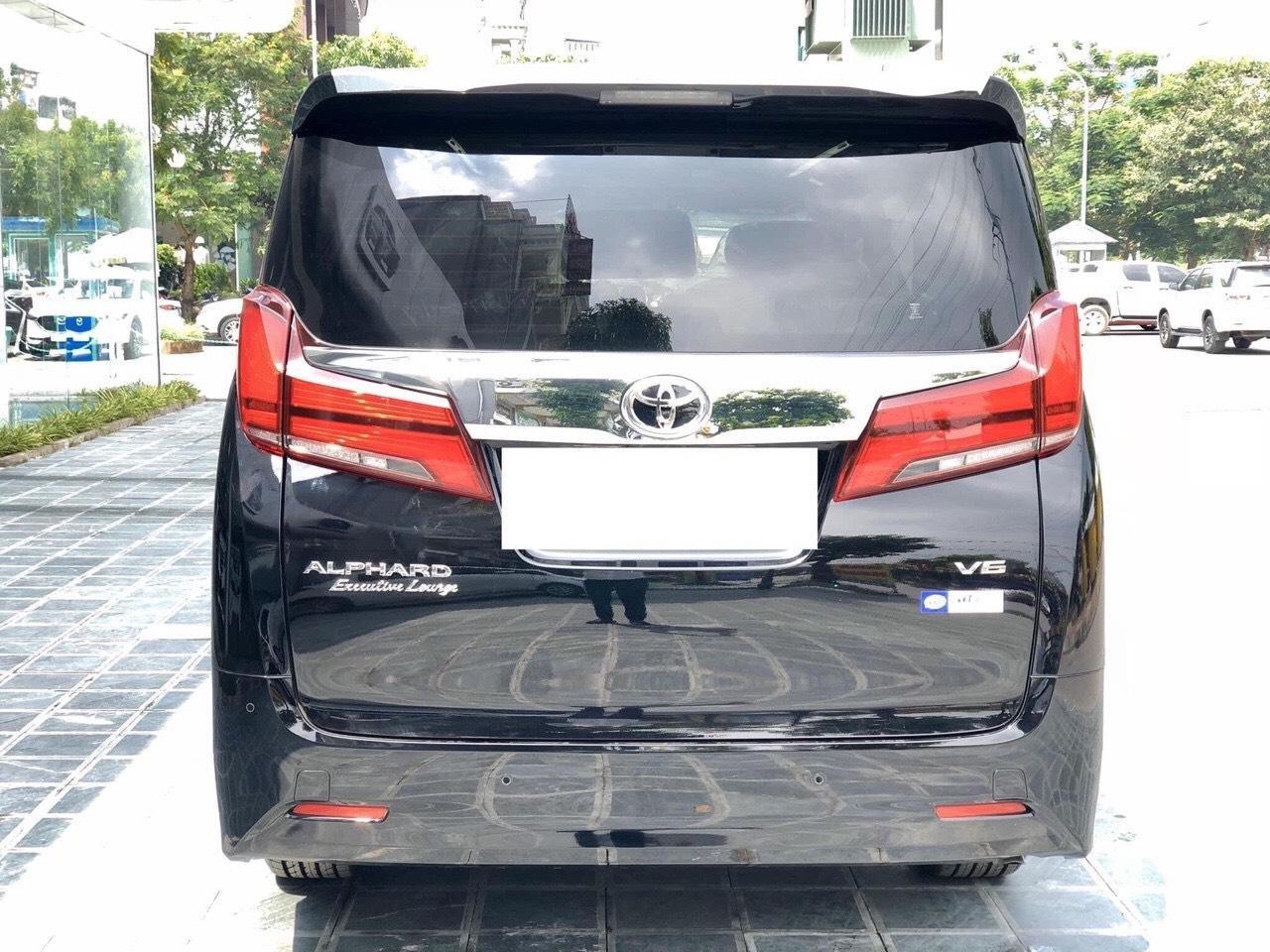 Toyota Alphard Limited 3.5 SX 2016 tên công ty XHĐ cao, xe cực đẹp (3)