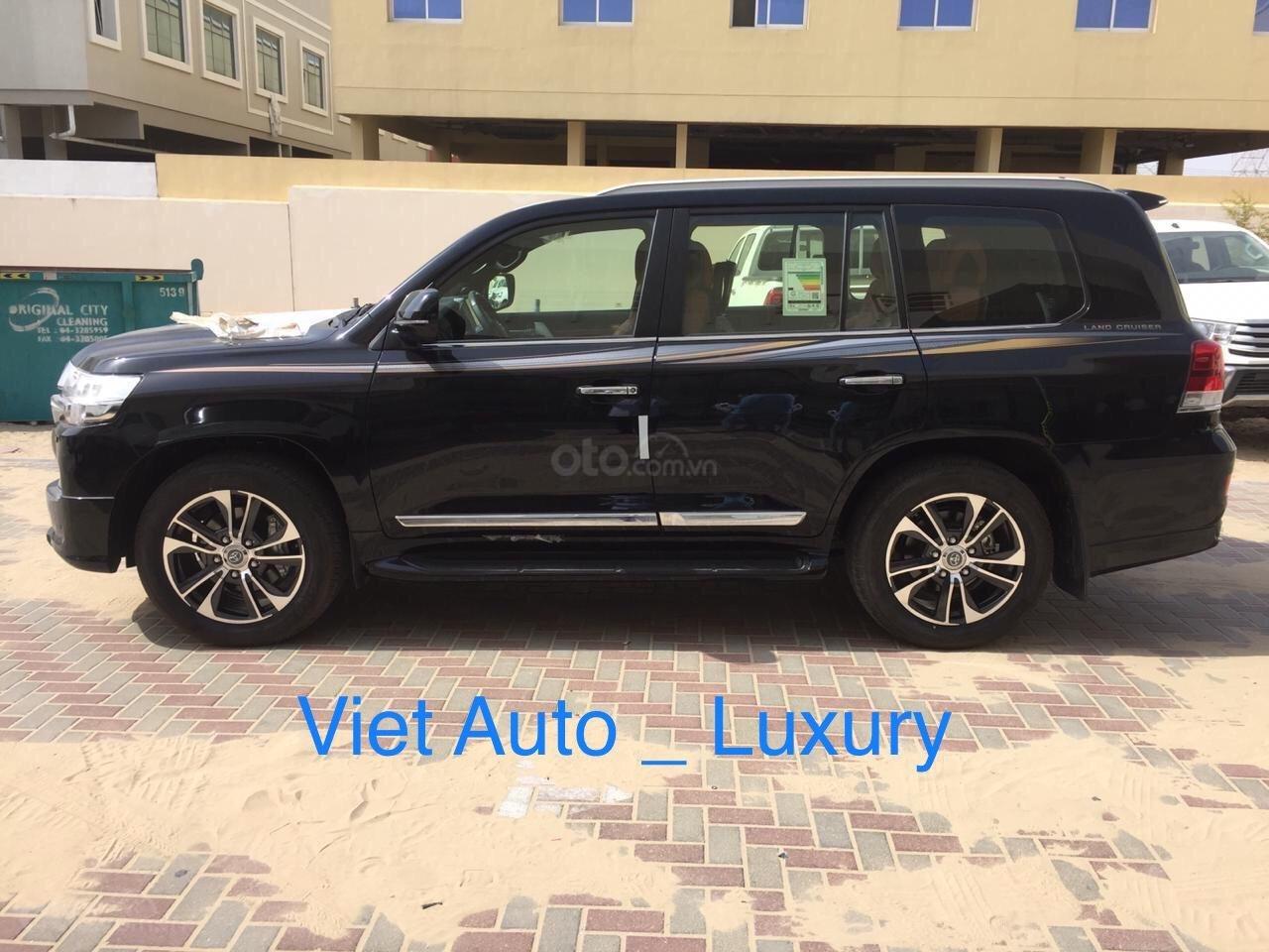 [Việt Auto Luxury] Toyota LandCruizer VXS phiên bản 4 chỗ và 8 chỗ. Nhập khẩu mới 100%, hỗ trợ giảm tiền mặt 100tr (3)