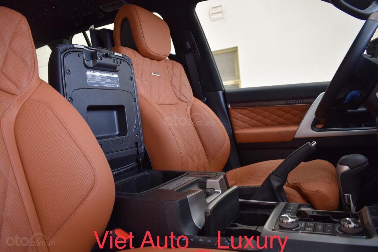 [Việt Auto Luxury] Toyota LandCruizer VXS phiên bản 4 chỗ và 8 chỗ. Nhập khẩu mới 100%, hỗ trợ giảm tiền mặt 100tr (10)