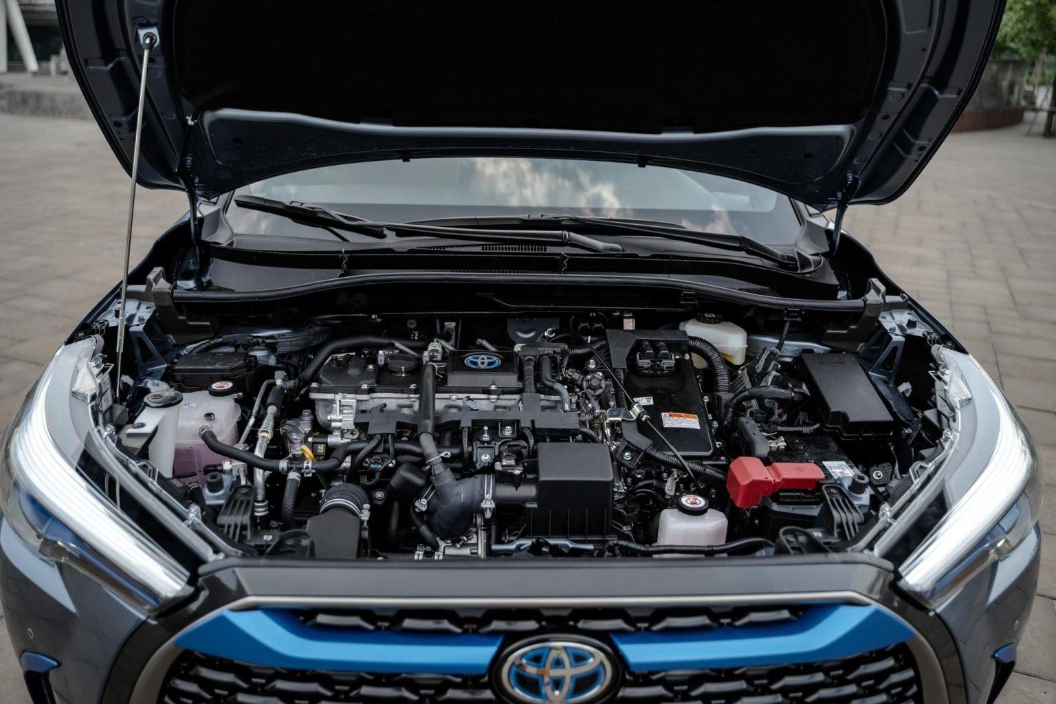 Động cơ xe Toyota Corolla Cross 2020.