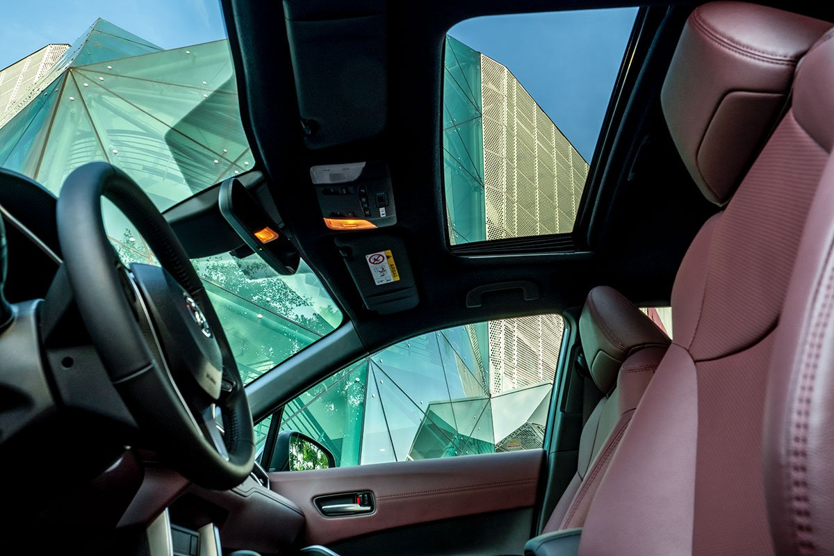 Ảnh ghế lái xe Toyota Corolla Cross 2020