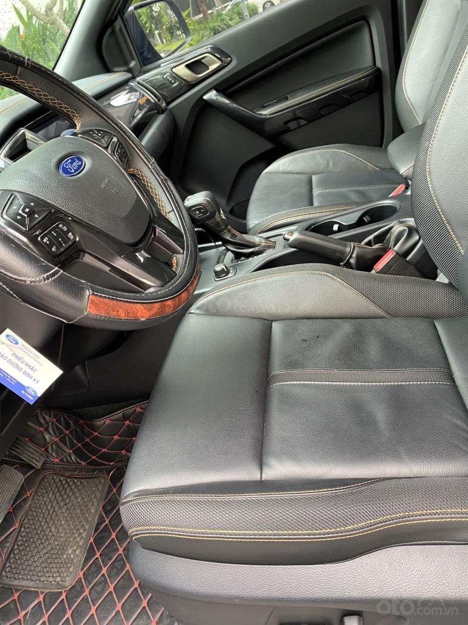 Không gian hàng ghế trước Ford Ranger Wildtrak 2.0L 4x4 AT 1