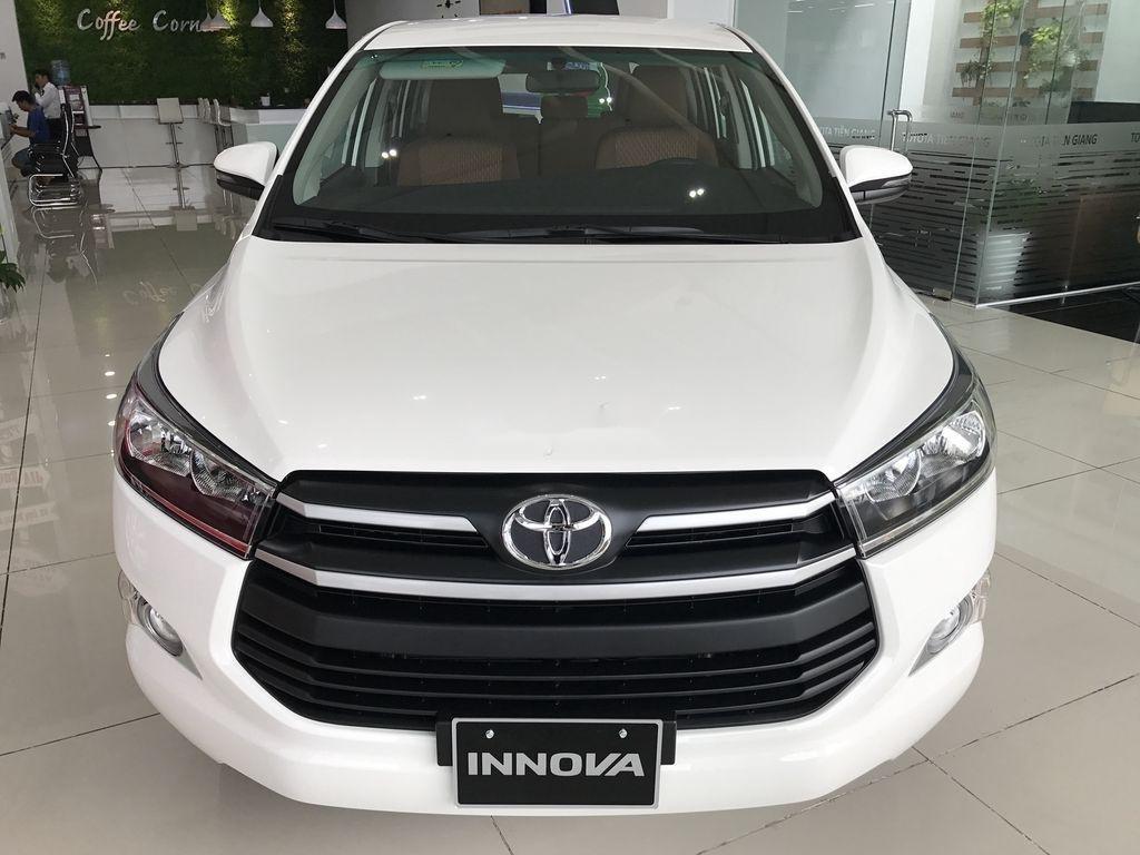 Bán xe Toyota Innova năm 2020, màu trắng, 771 triệu (1)