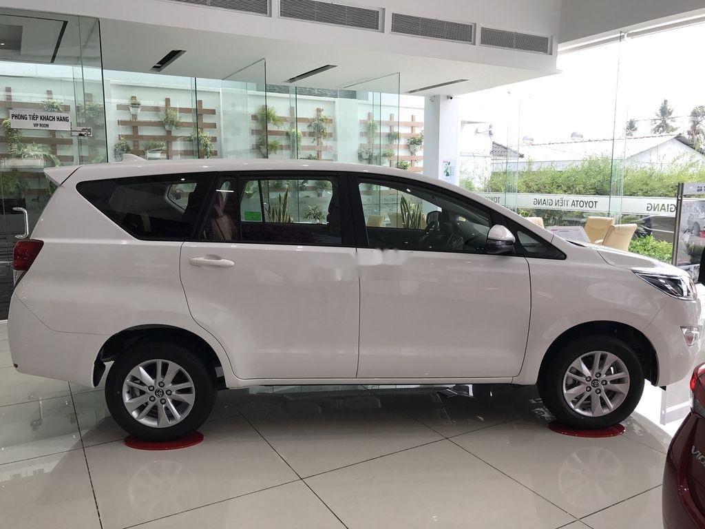 Bán xe Toyota Innova năm 2020, màu trắng, 771 triệu (4)