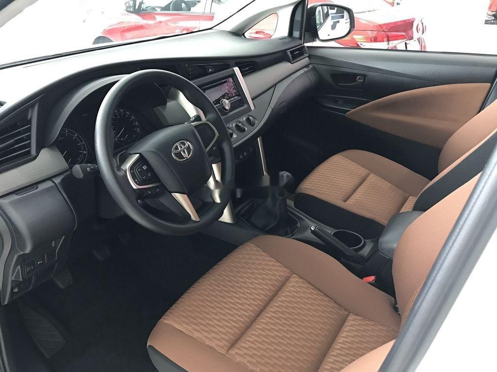 Bán xe Toyota Innova năm 2020, màu trắng, 771 triệu (12)