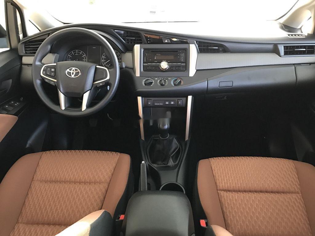 Bán xe Toyota Innova năm 2020, màu trắng, 771 triệu (11)