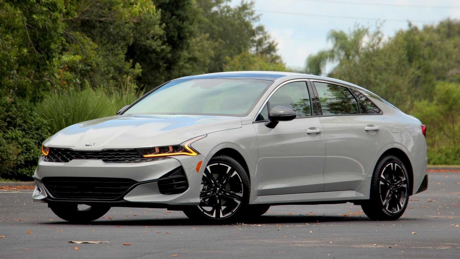 Kia K5 2021 chào giá 544 triệu đồng tại Mỹ.