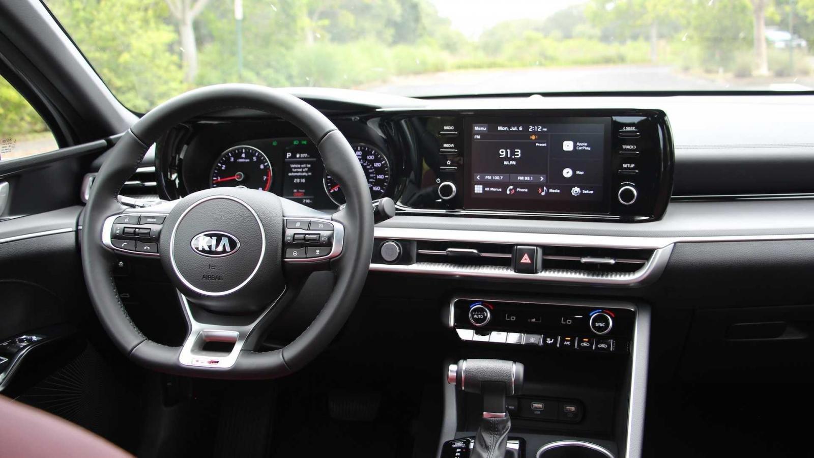 Kia K5 2021 trang bị hiện đại.