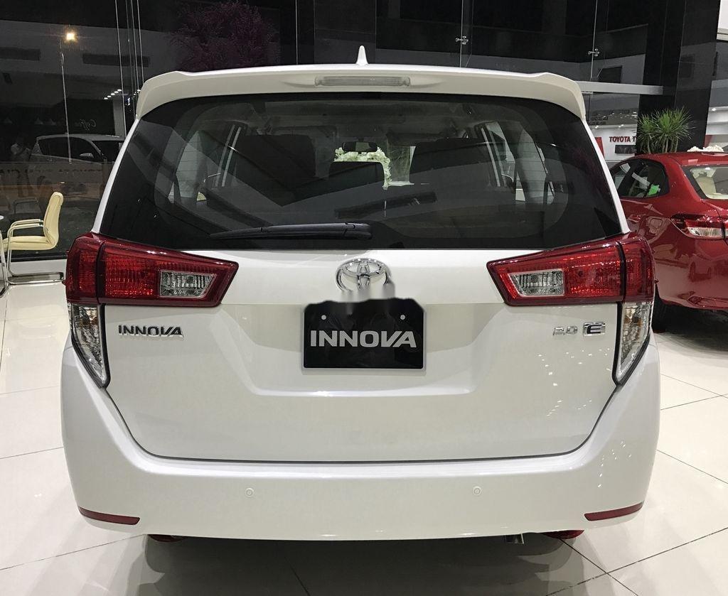 Bán xe Toyota Innova năm 2020, màu trắng, 771 triệu (5)