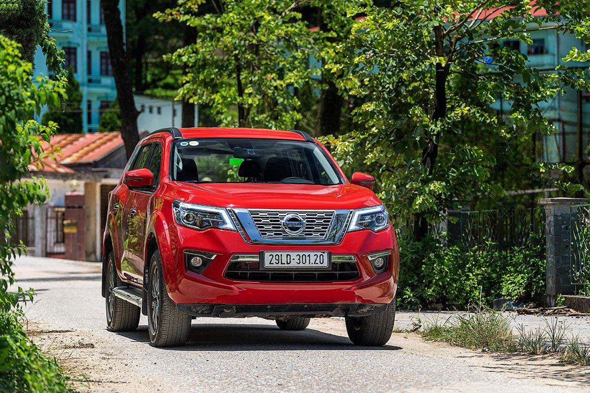 Nissan Terra 2019 giảm 10 - 20 triệu tiền mặt trong tháng 08/2020 1