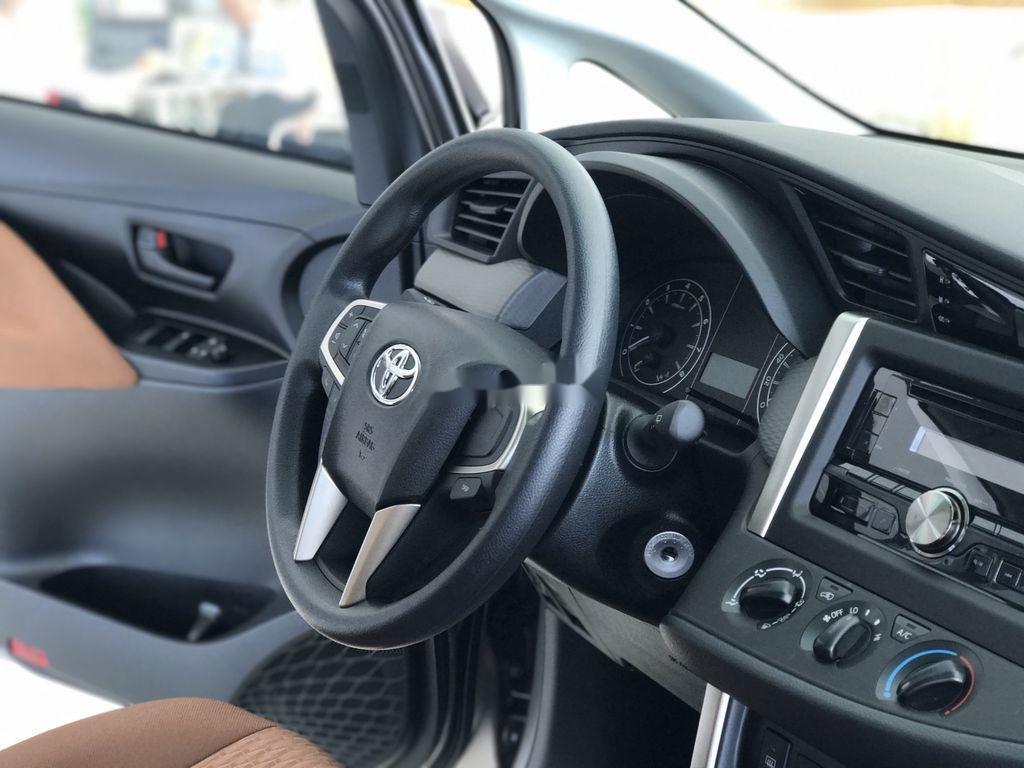 Bán xe Toyota Innova năm 2020, màu trắng, 771 triệu (9)