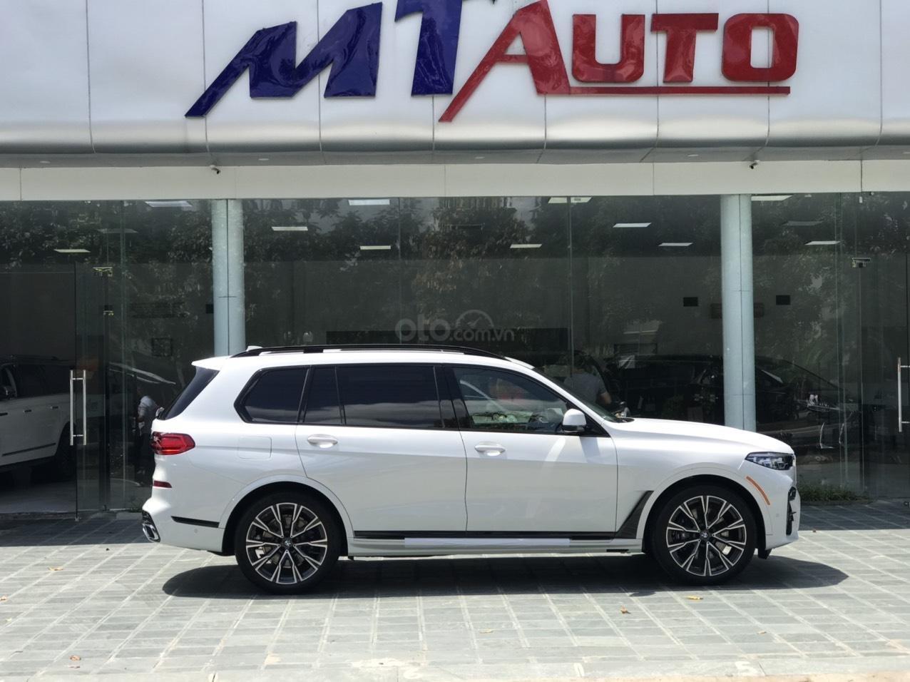 Bán ô tô BMW X7 xDrive 40i Msport SX 2020, màu trắng, nhập khẩu, mới 100% (2)