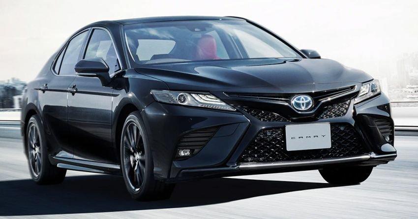 """Toyota Camry Black Edition bản """"Bao Công"""" chào giá 921 triệu đồng."""