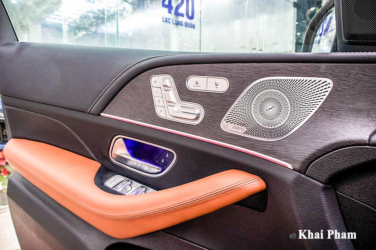 Ảnh Táp-li cửa xe Mercedes-Benz GLE 2020