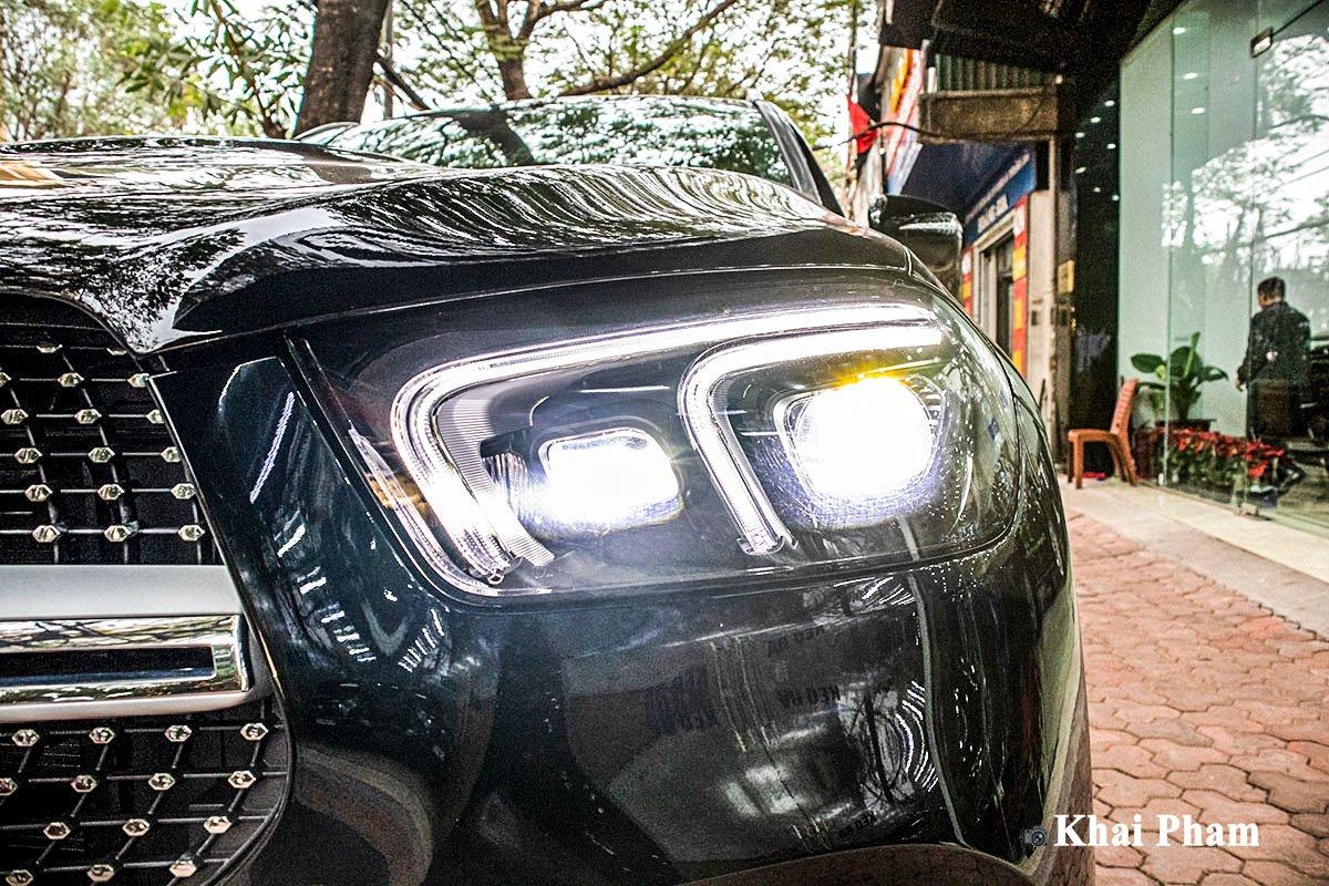 Ảnh Đèn pha phải xe Mercedes-Benz GLE 2020