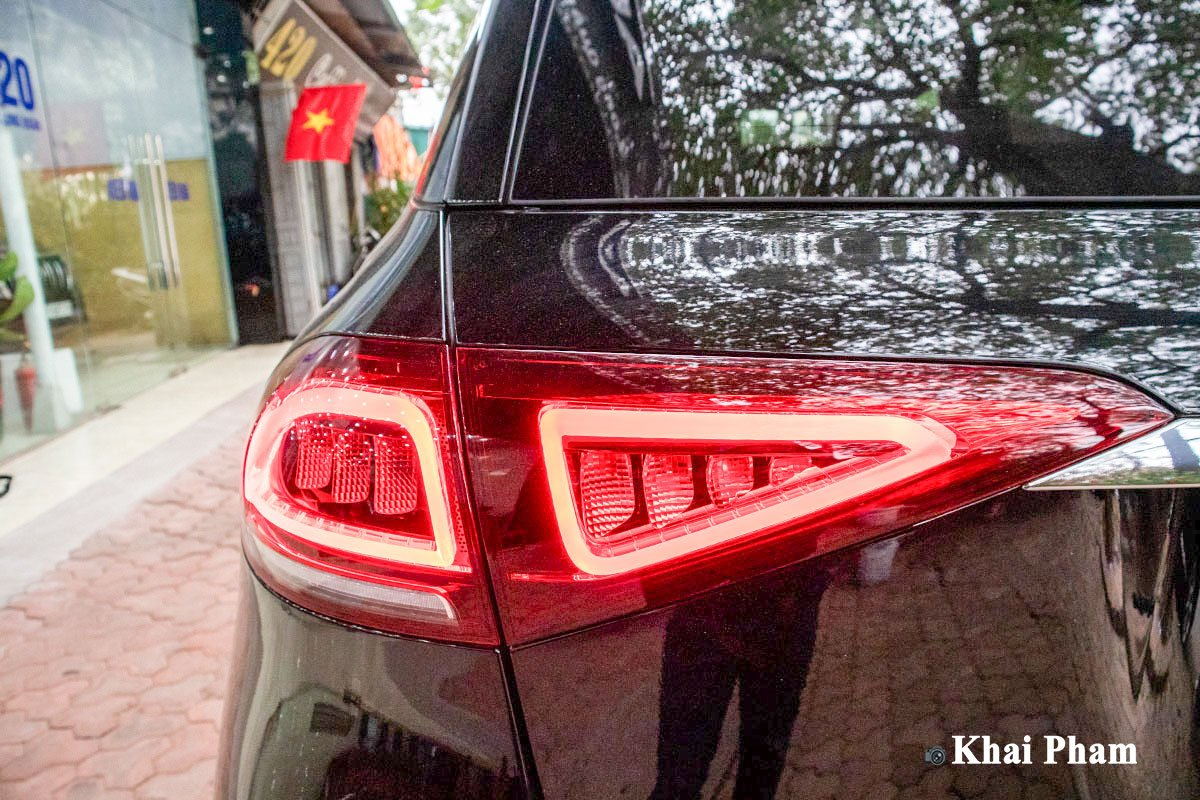 Ảnh Đèn hậu xe Mercedes-Benz GLE 2020