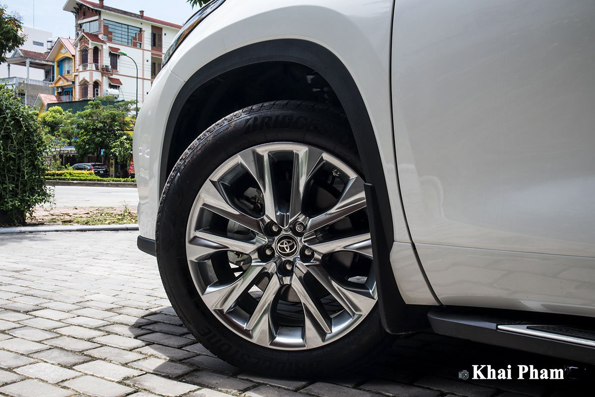 Ảnh La-zăng trái xe Toyota Highlander 2020