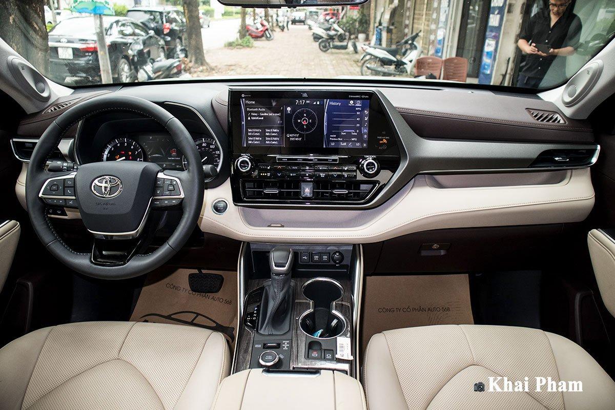Ảnh Khoang lái xe Toyota Highlander 2020