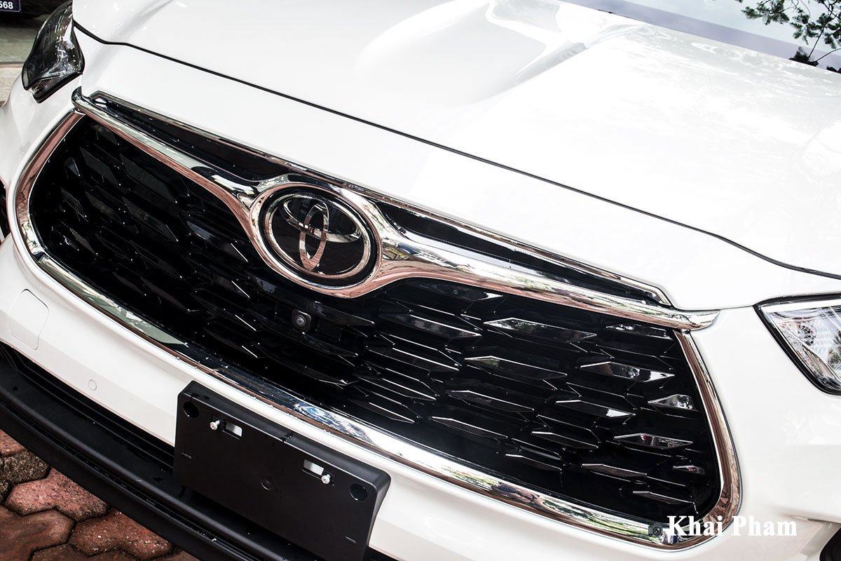 Ảnh Lưới tản nhiệt xe Toyota Highlander 2020