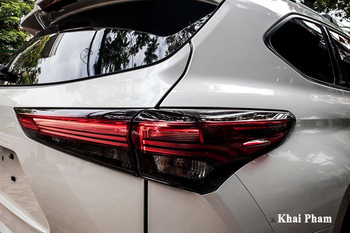 Ảnh Đèn hậu phải xe Toyota Highlander 2020