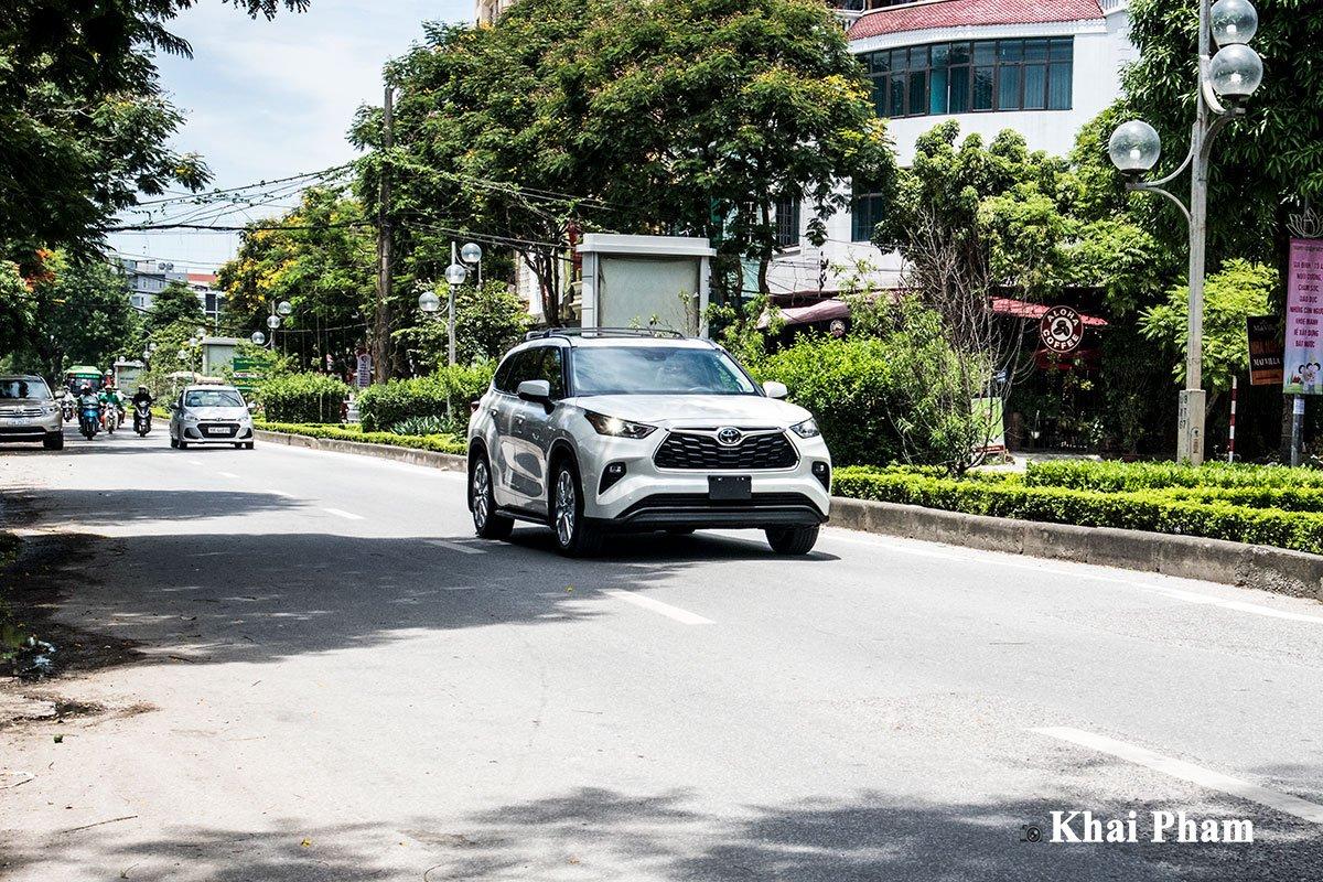 Ảnh Vận hành xe Toyota Highlander 2020