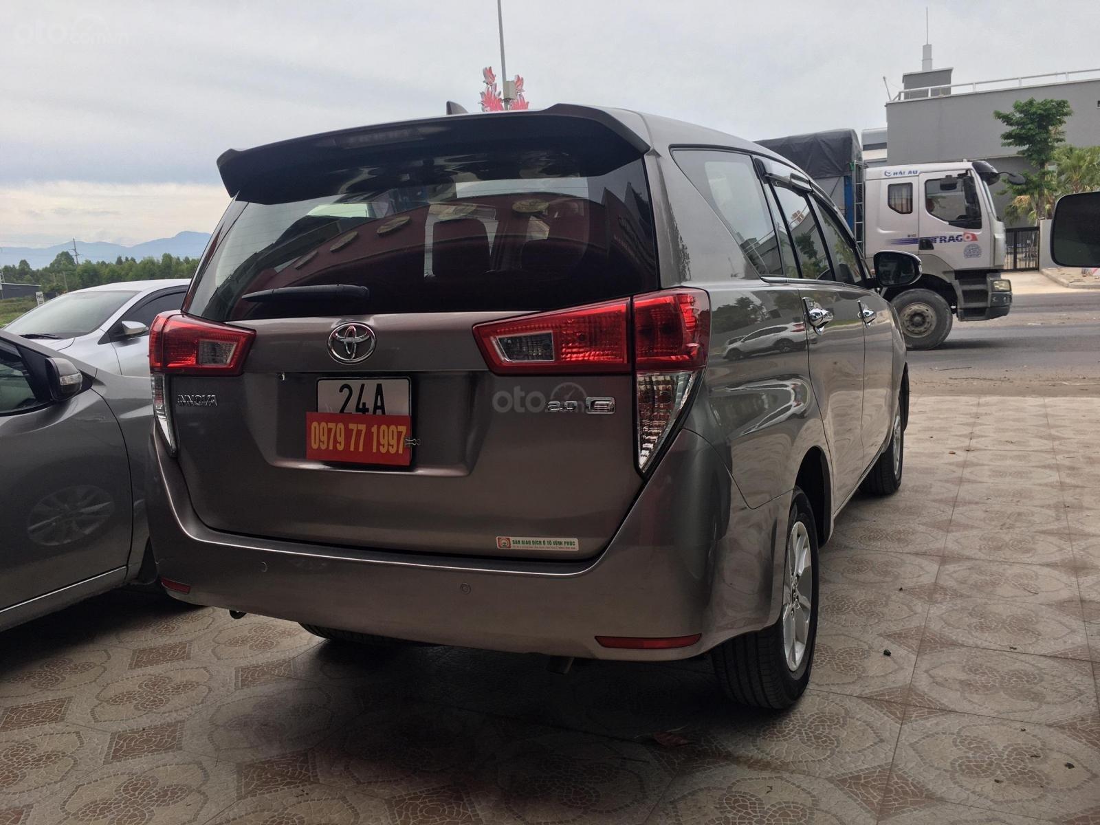 Bán Toyota Innova sản xuất 2016 số sàn bản 2.0E. Giá bán 525 triệu (5)