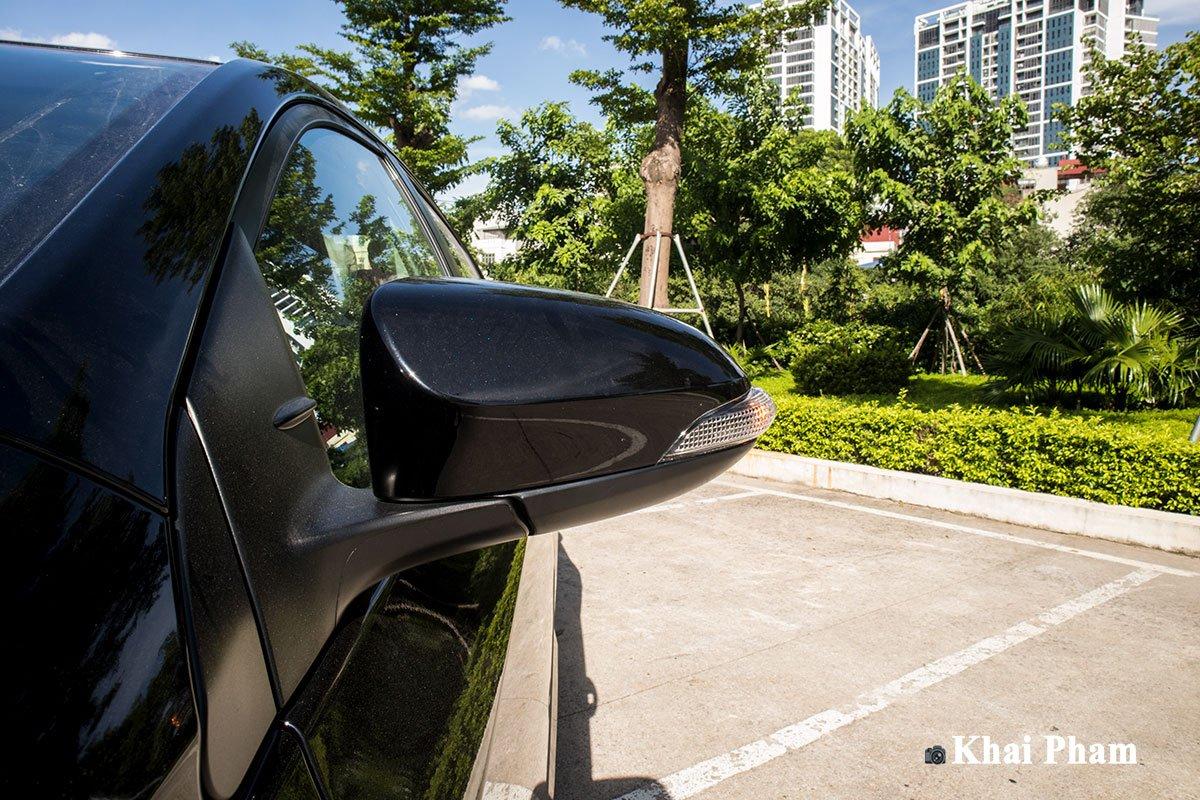 Ảnh gương chiếu hậu xe Toyota Corolla Altis 2020