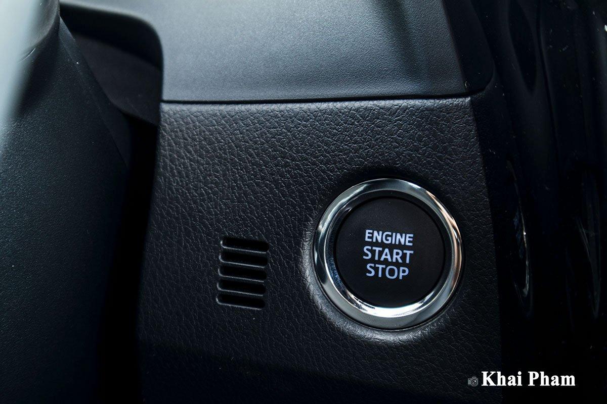 Ảnh nút bấm xe Toyota Corolla Altis 2020 a1