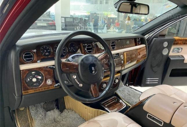 Cần bán Rolls-Royce Phantom năm sản xuất 2007, màu đỏ, biển số SG (7)