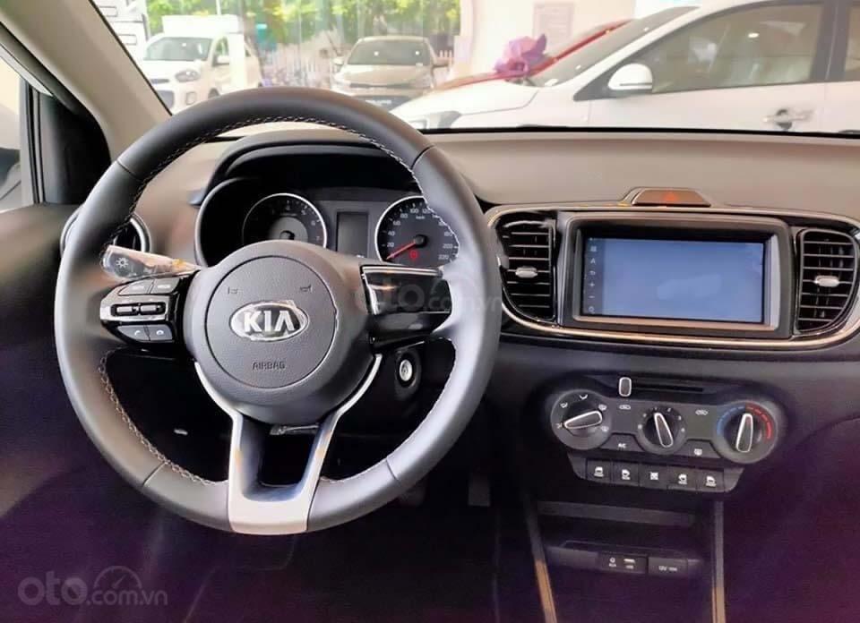 Bán ô tô Kia Soluto 1.4 MT Deluxe đời 2020, màu trắng, 399 triệu (6)
