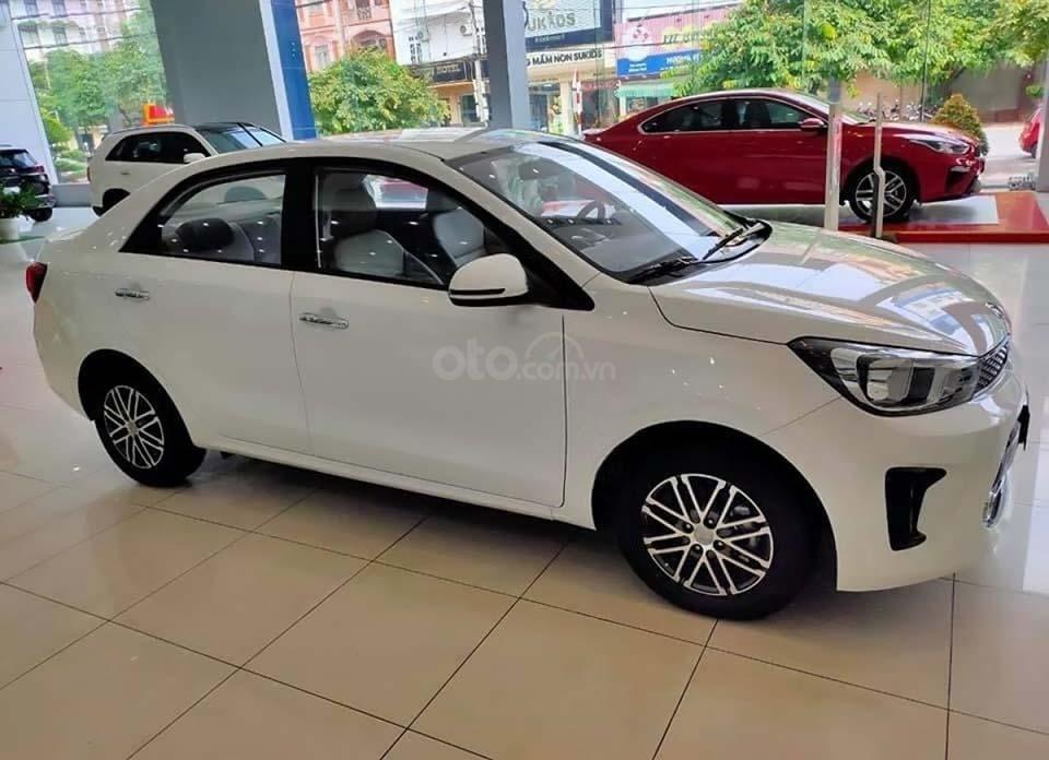 Bán ô tô Kia Soluto 1.4 MT Deluxe đời 2020, màu trắng, 399 triệu (1)
