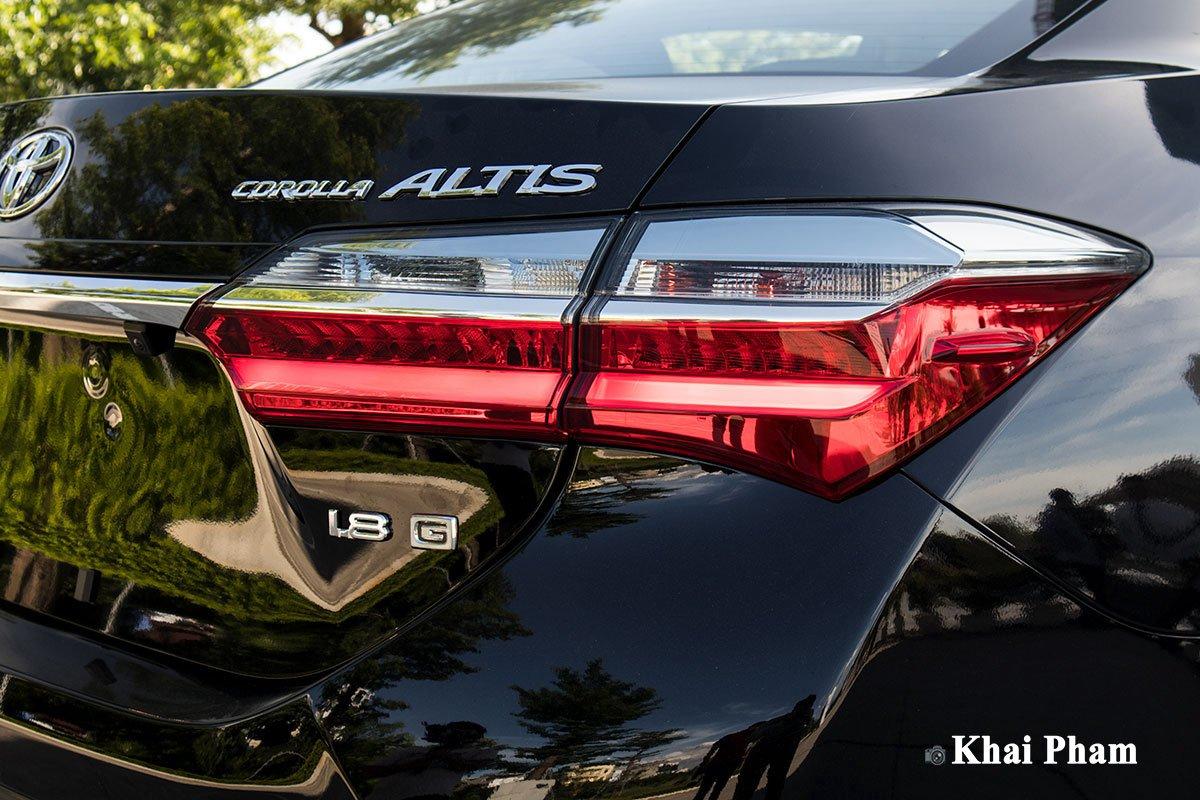 Ảnh Đèn hậu a xe Toyota Corolla Altis 2020