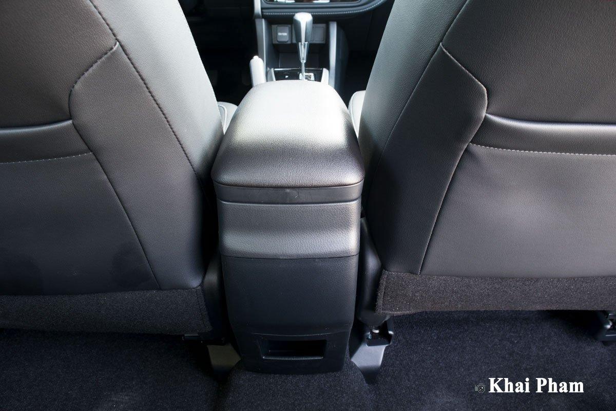 Ảnh Bệ tỳ tay xe Toyota Corolla Altis 2020