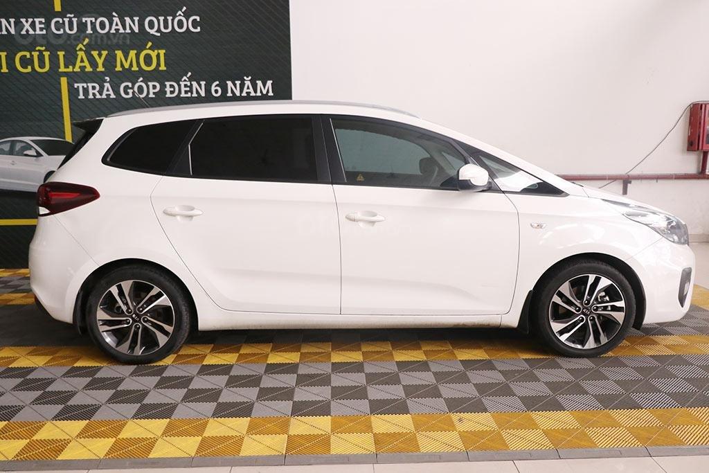Cần bán xe Kia Rondo 2.0MT 2018 (3)